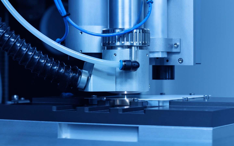 innolas-solutions-linexo-lasermaschine-mikromaterial-prozesskopf